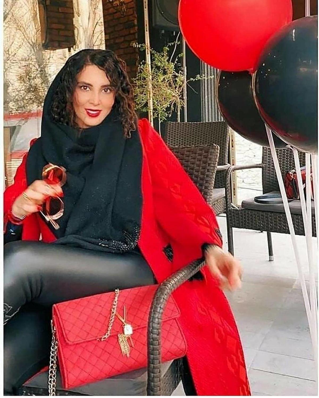 لیلا بلوکات با ساپورت تنگ و چسبان در کافه + عکس