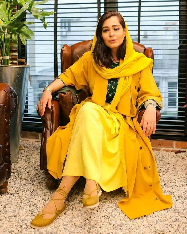 دامن کوتاه و پاهای برهنه سانیا سالاری + عکس