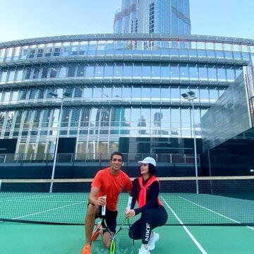 ورزش لاکچری سپهر حیدری و همسرش در کنار برج خلیفه +عکس