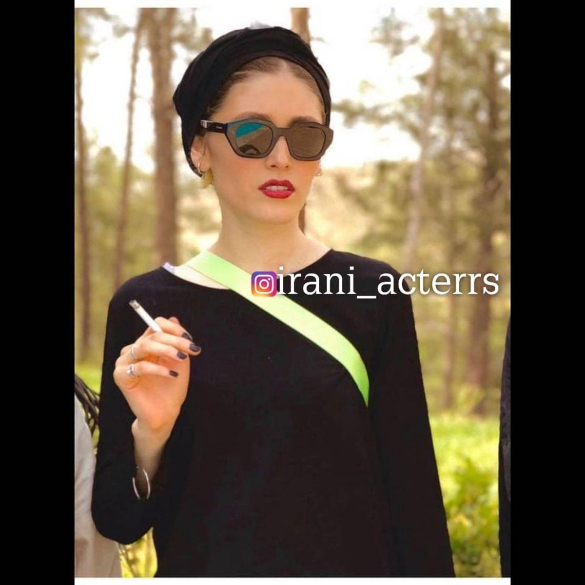 عکس بی حجاب فرشته حسینی در حال سیگار کشیدن !
