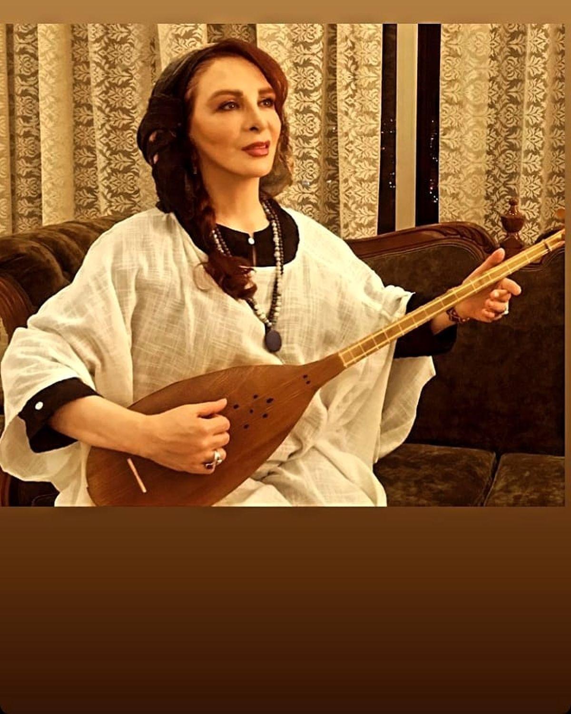 ساز نواختن افسانه بایگان بدون حجاب + عکس
