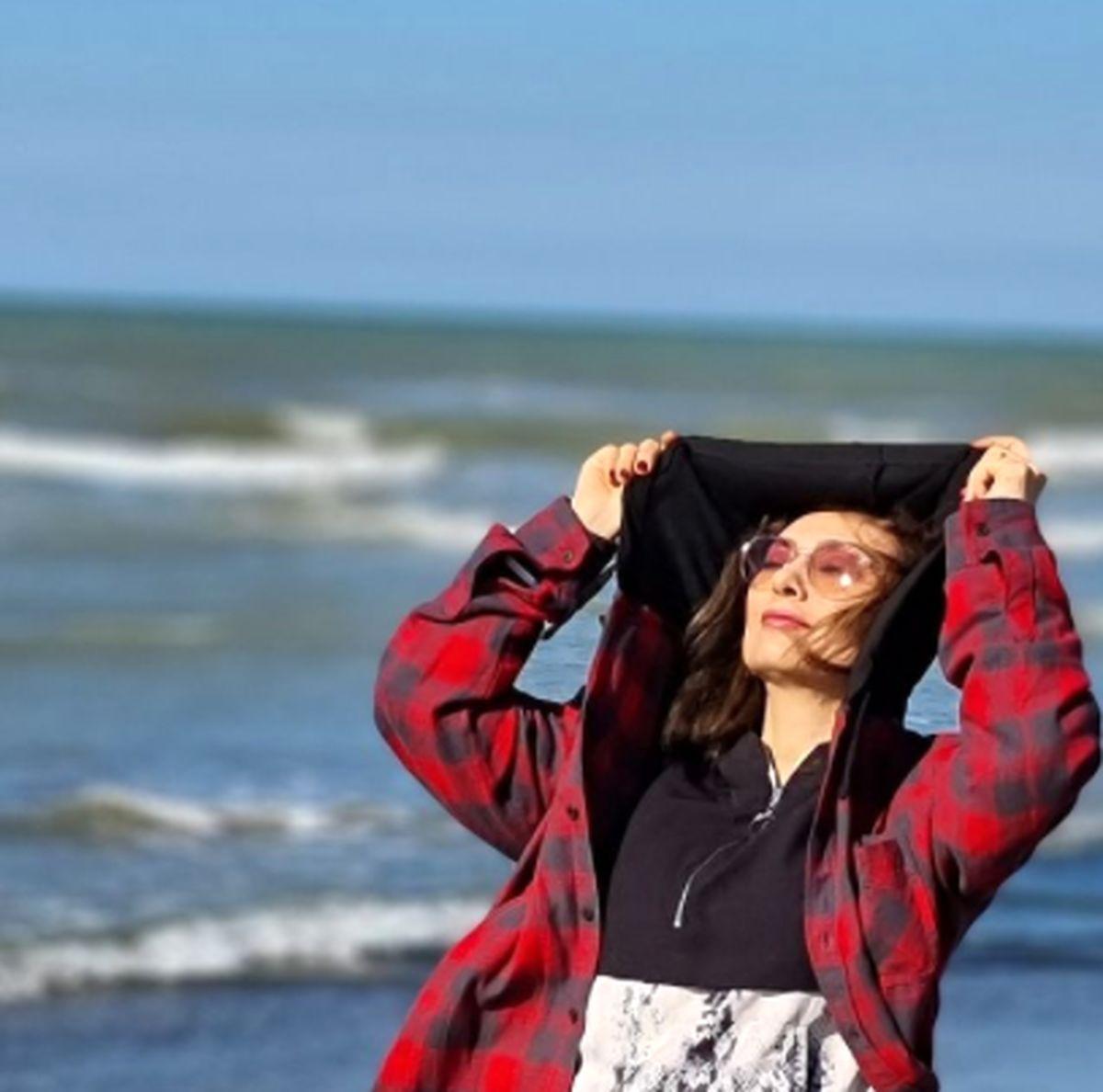 یکتا ناصر کنار دریا بدون حجاب ! + عکس