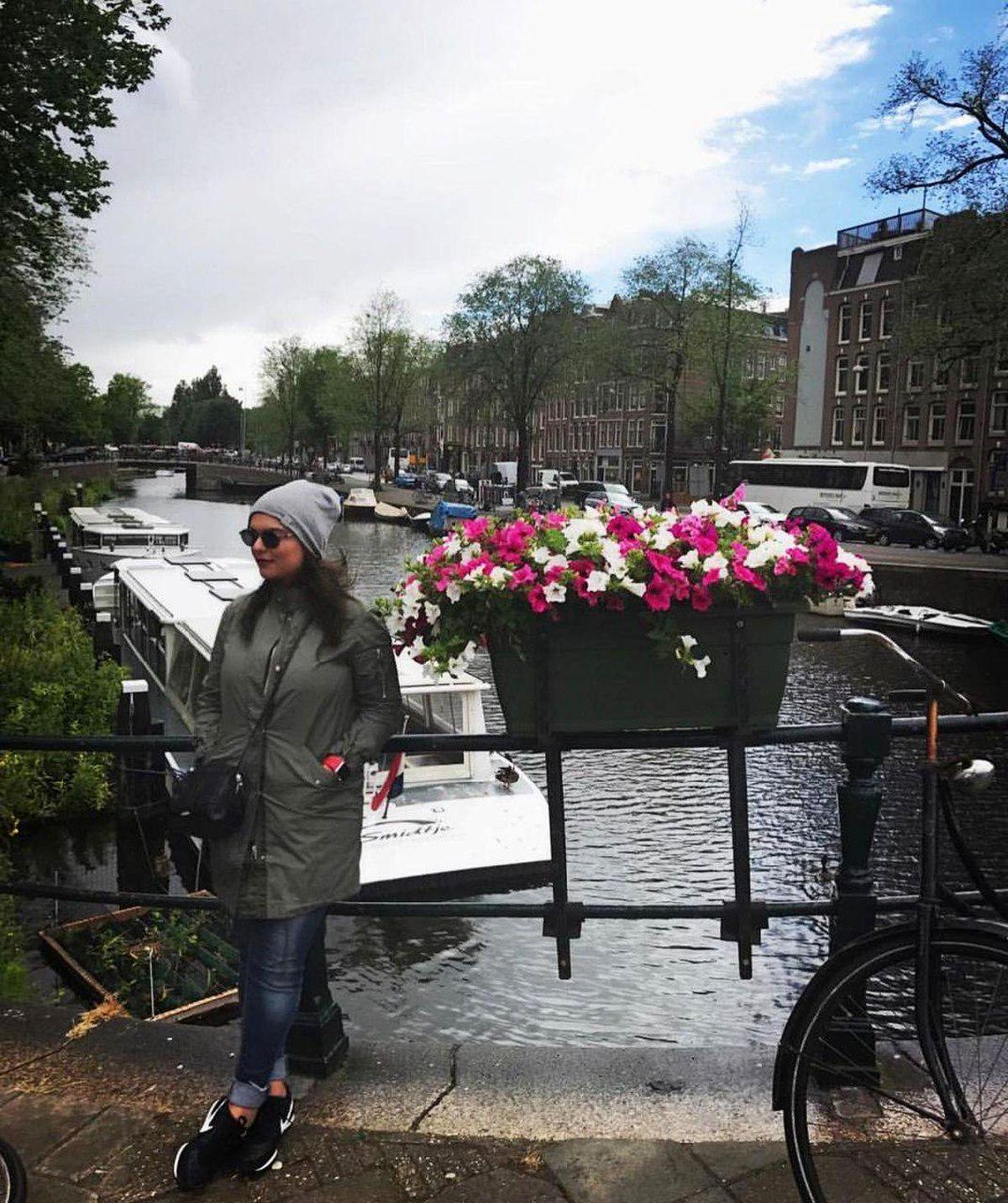 تیپ فشن دنیا مدنی در آمستردام+عکس