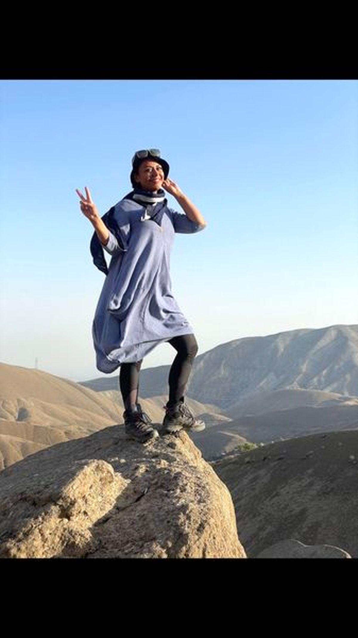 شبنم فرشادجو با پیراهن نازک و ساپورت چسبان و توری +عکس