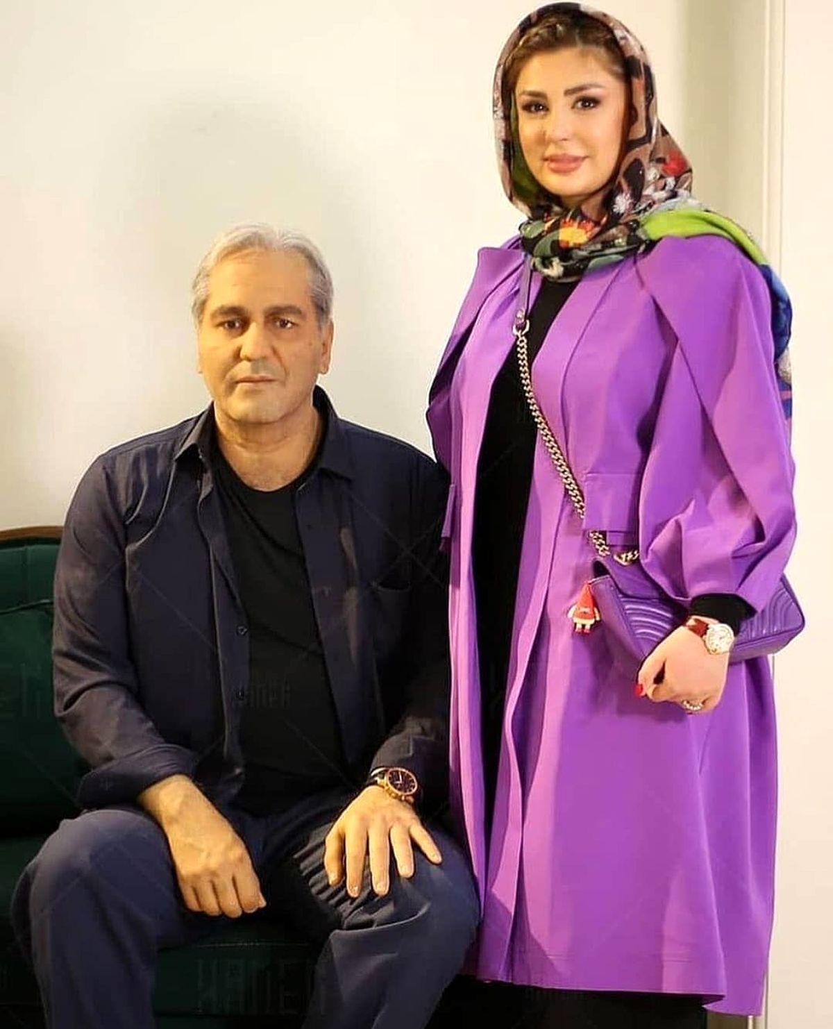 تیپ نیوشا ضیغمی در کنار مجسمه مهران مدیری+ عکس