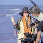 شغل جدید بهاره رهنما با لباس پلنگی کنار دریا + عکس