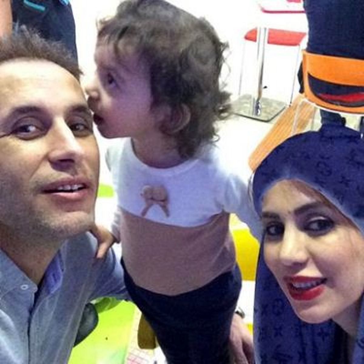 یحیی گل محمدی کنار همسر جذابش + عکس
