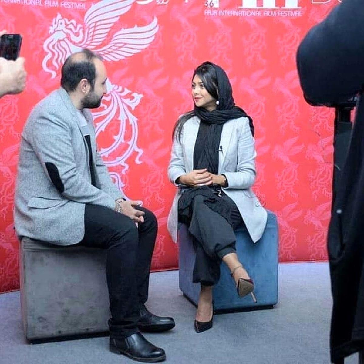 شلوار کوتاه و تیپ ناجور آزاده صمدی هنگام مصاحبه + عکس