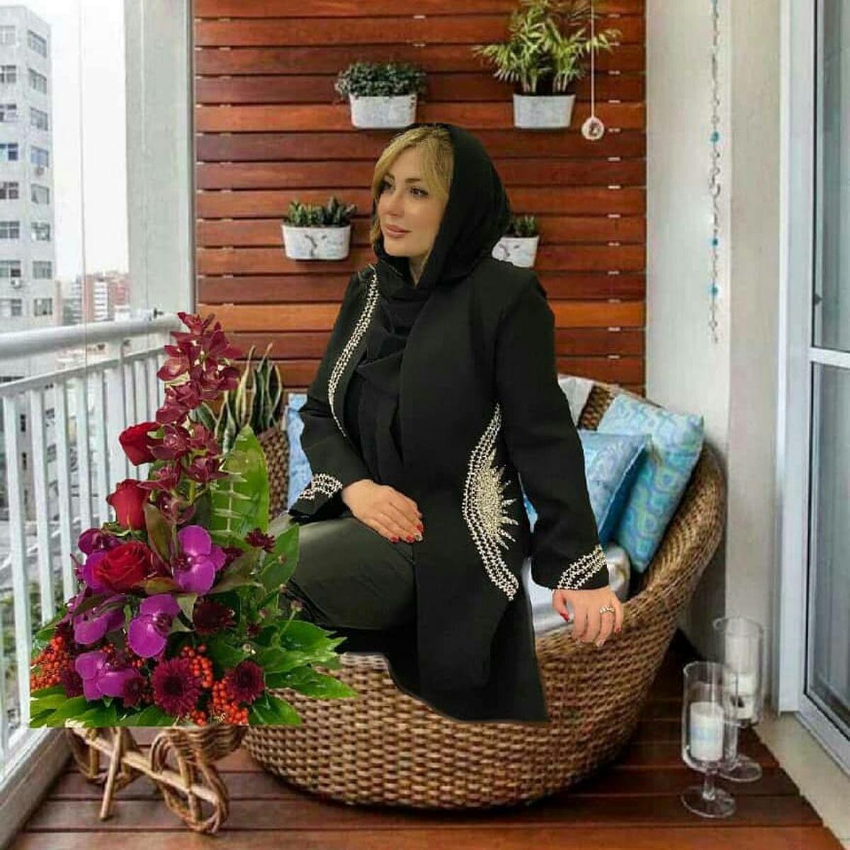 نیوشا ضیغمی در بالکن خانه اش+عکس